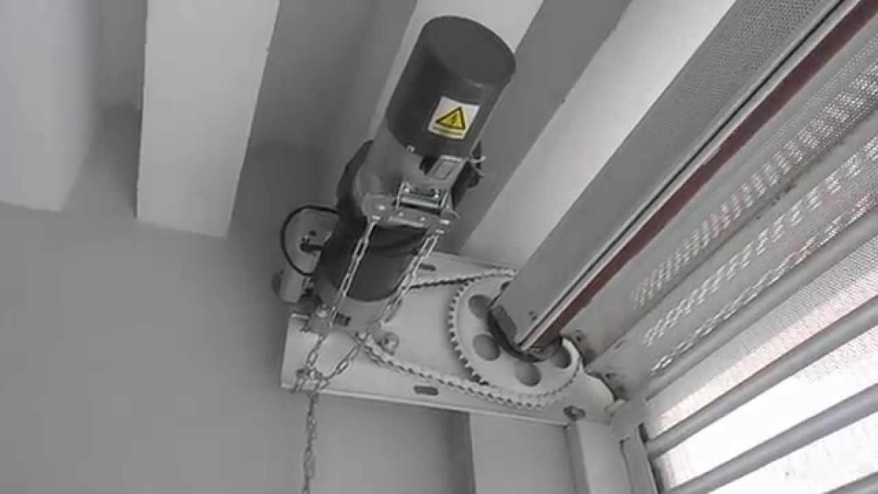 Cortina Plana multiperforada automatizada con operador