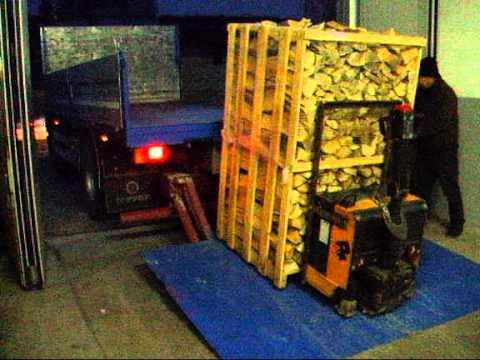 Scarico legna da ardere by roveretolegna youtube for Legna da ardere prezzi