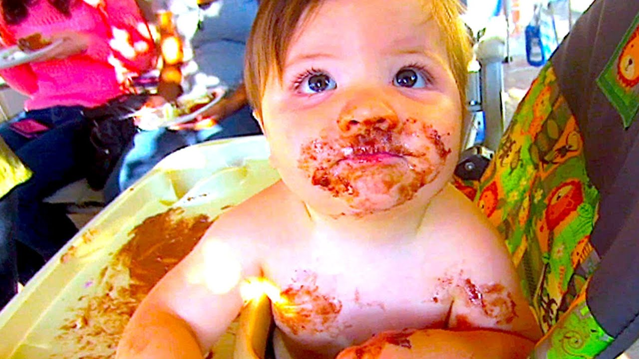 CUTE BABY EATING BIRTHDAY CAKE - YouTube