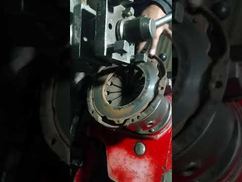 How To Repair Pressure Plate Toyota Crolla Xli