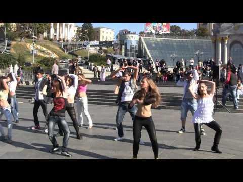Britney Spears Flashmob In Kiev, Ukraine, September 25 2011