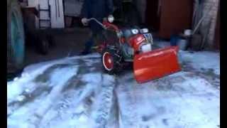 видео Снегоуборщик, лопата-отвал для мотоблока
