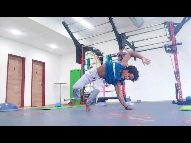 Body movement flow Capoeira / Gugu Quilombola