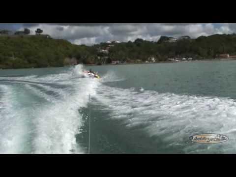 Antilles Jet - engin tracté en Guadeloupe
