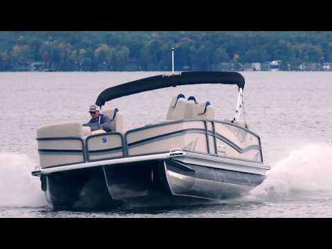 Advantages of an Evinrude E-TEC G2 on a TriToon