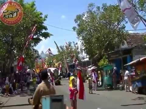 Pawai Karnaval Budaya Bhineka Tunggal Ika Tingkat SD/MI Trenggalek 2013 Part II
