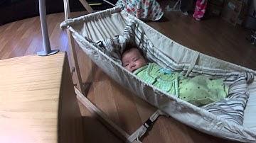 흔들침대를 이용한 아기 재우기