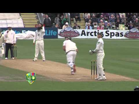 Worcestershire v Australia, Day One Highlights