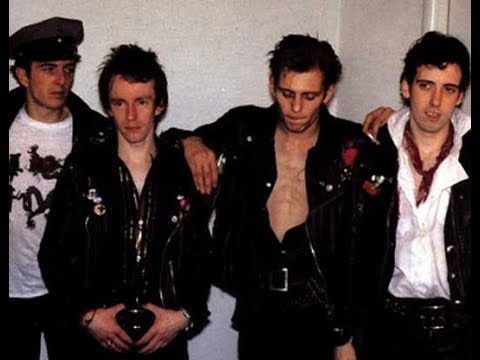 The Clash - Elvis Has Left The Building