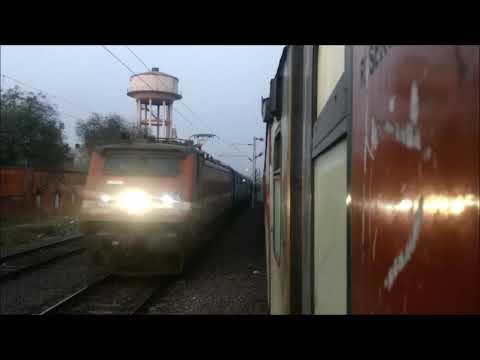 मथुरा इलाहाबाद एक्सप्रेस गाज़ीपुर एक्सप्रेस को पछाड़ते हुए | Jaipur Allahabad Express