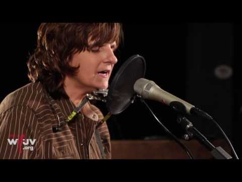 "Amy Ray - ""More Pills"" (Live at WFUV)"