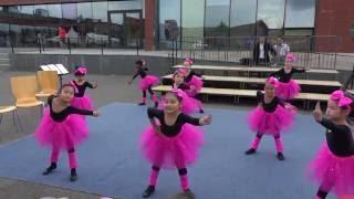 Video Barbie girl dance by Year 1 download MP3, 3GP, MP4, WEBM, AVI, FLV Agustus 2018