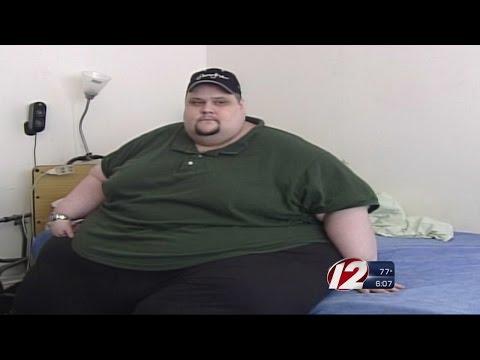 1,200 Pound Man Passes Away at Hospital