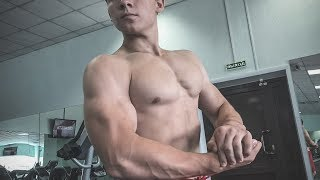 MONSTER 15 YEARS MUSCLE BOY IN GYM | pumping, armwrestling and flexing with Andrey muscle