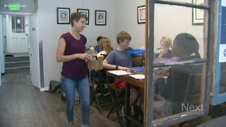 Gambar cover Denver micro-school gives 7th and 8th graders real hands-on lessons