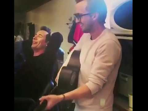 Team Flash Sing A Long / Grant Gustin Great Singing