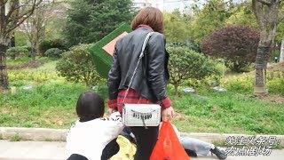 年轻妈妈随手丢给乞丐的100元,没想到过了两天就救了自己的小孩【宏點劇場】