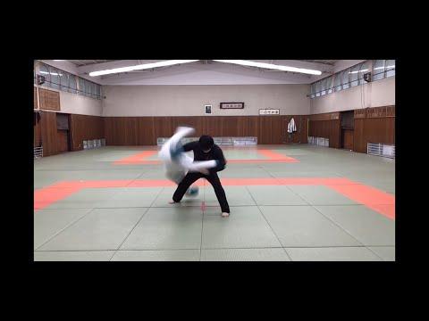 投げ技(体落とし)柔道の授業