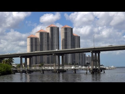 Fort Myers, FL, the city on the Caloosahatchee River HD