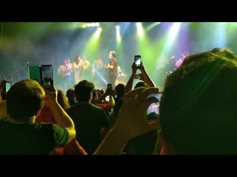 Mon Laferte ft Auténticos Decadentes - Amor - 23/09/2018 Gran Rex