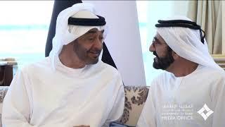 محمد بن راشد يلتقي أخاه محمد بن زايد ويتبادلان الأحاديث حول عدد من القضايا التي تهم الوطن والمواطن