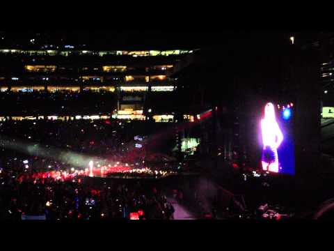 RED TOUR Taylor Swift Talks Boston Strong and Gillette Stadium Rain