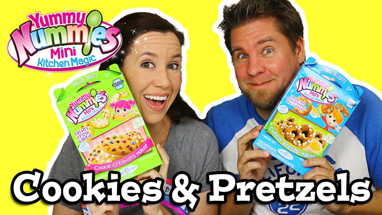 Kitchen Magic Reviews #25: Yummy Nummies Mini Kitchen Magic - Pretzel U0026amp; Cookies Maker