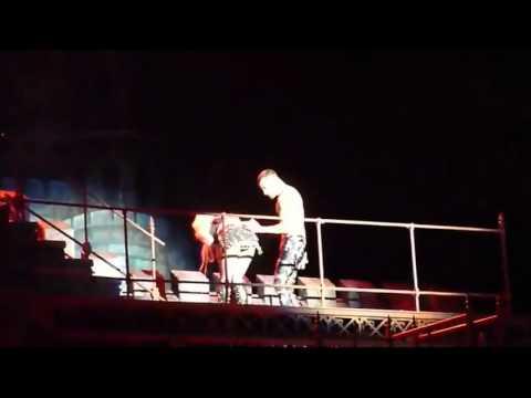 Леди Гага стошнило во время концерта