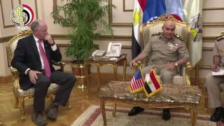 بالفيديو| وزير الدفاع يلتقي وفدا من أعضاء مجلس النواب الأمريكي