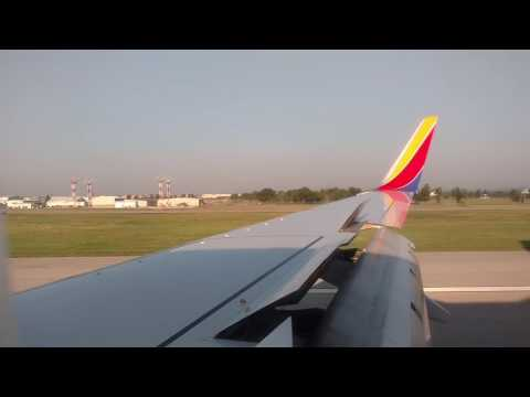 Southwest Airlines landing at Tulsa International Airport