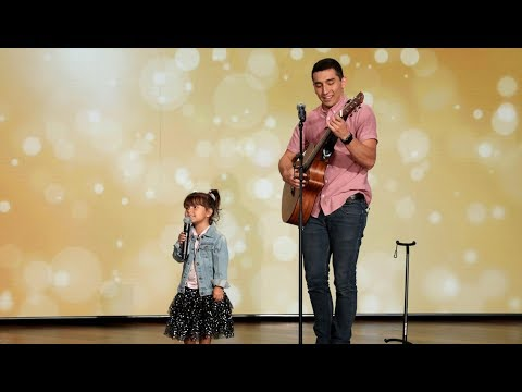 Marques - Adorable Father-Daughter Duo Sings 'Señorita'