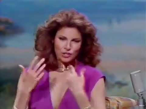 Raquel Welch, 1978, Tonight Show, Carson, no bra
