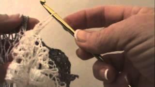 Repeat youtube video Easy Crochet Sashay Ruffle Scarf