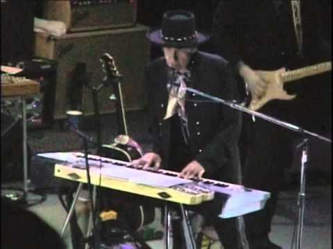 Ain't Talking' Live 20 11 2006 New York City Center (video start 0.58)