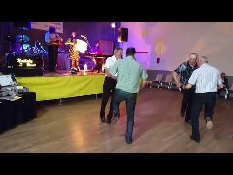 La Mouraillade ( bourrée des hommes ) dansée à Lombers 81