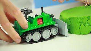 Відкриваємо іграшки машинку Бульдозер, Кораблик і Танковий бій від фабрики Форма