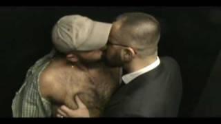 HAIRY MUSCULAR SEXY MEN