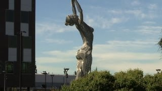 Giant Nude Statue Stirs Controversy in Calif.