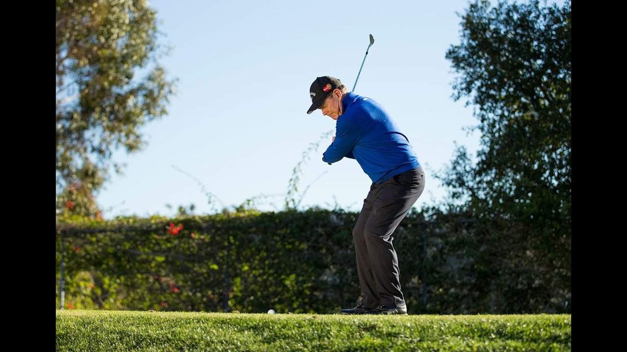 how to hit wedges with backspin