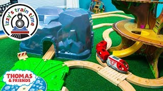 Thomas and Friends | TREE HOUSE WATER TRACK WITH THOMAS TRAIN | Fun Toy Trains for Kids with Brio