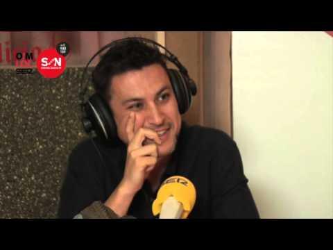 Rodrigo Cortés se desmelena con su gaita en la radio. Cadena SER