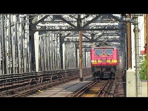 LHB v ICF| Brand New LHB rake WestBengal Sampark Kranti crosses Bally Bridge over Hoogly river