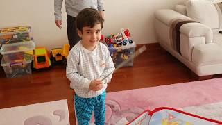 Berat Kalp Balonları Patlattı. Balloons Popping Fun Kids Video