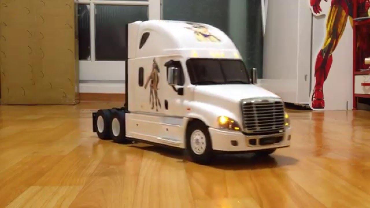 1:14 Tamiya Freightliner Cascadia Evolution