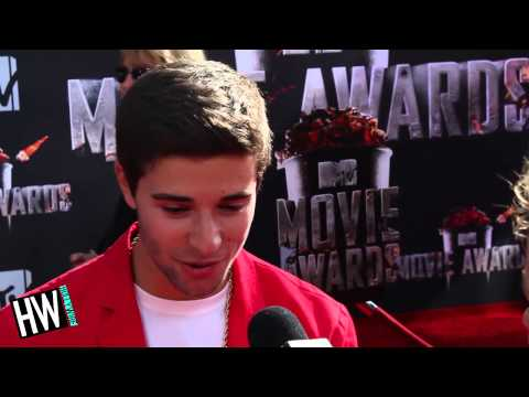 Jake Miller Talks New Music & Meeting Eminem! (2014 MTV Movie Awards)