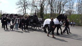 Goman-Clan-Chef-Beerdigung - Polizeigroßeinsatz auf Reuschenberger Friedhof in Leverkusen am 20.4.21
