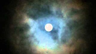 Photo movie 満月と雲の流れをお楽しみ頂けたら...