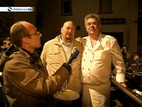 XXL-Experte Jumbo Schreiner beim Schwertfischgrillen in Eberstadt