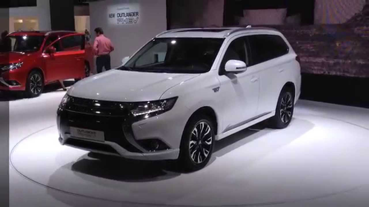 new mitsubishi outlander phev plug in hybrid vehicle. Black Bedroom Furniture Sets. Home Design Ideas