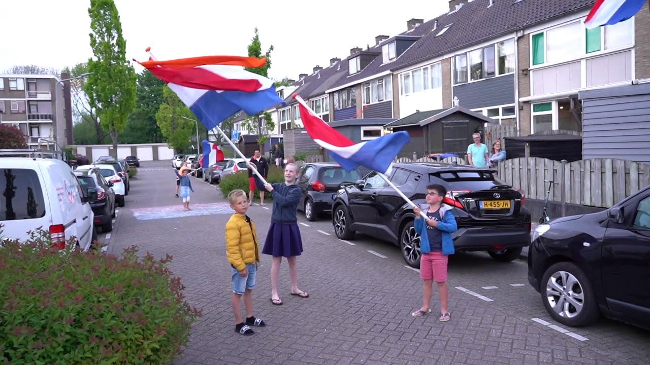 Download 👑 Vlaggen voor de Koning Alblasserdam 2020👑